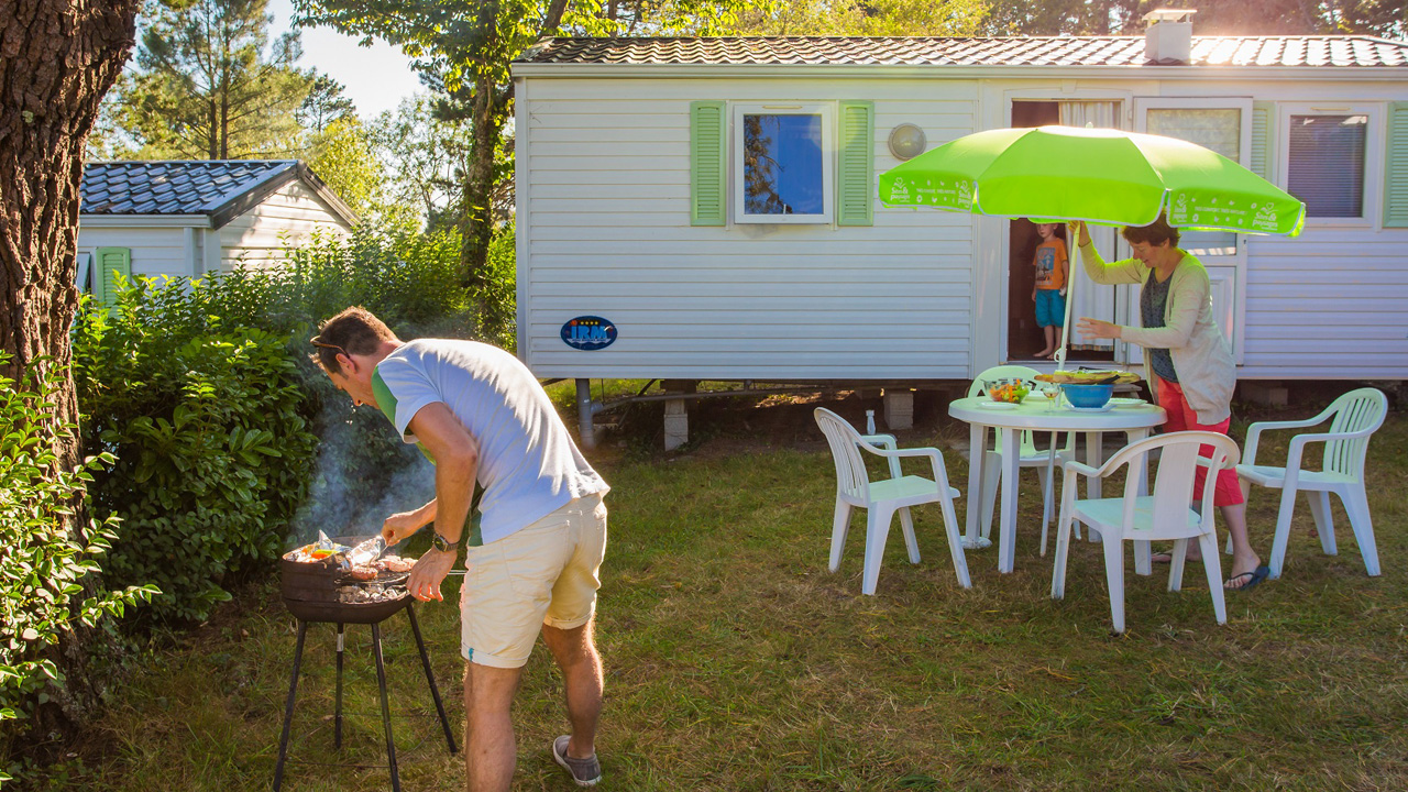 Camping Crozon Le Panoramic Barbeucue Mobil Home